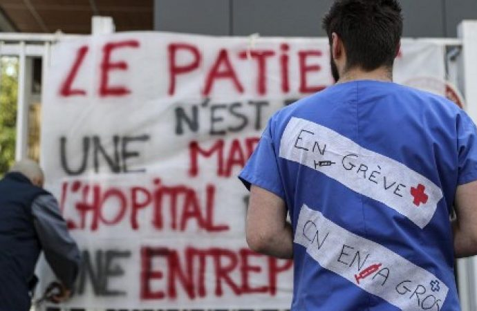 France: la grève se poursuit dans les services d'urgence des hôpitaux de Paris