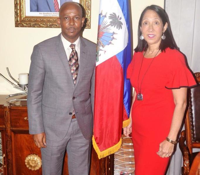 Le Premier ministre nommé Jean-Michel Lapin reçoit l'ambassadeur des Etats-Unis