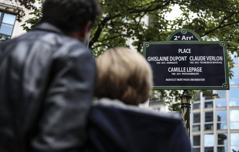 Une place «Ghislaine Dupont, Claude Verlon, Camille Lepage» inaugurée à Paris en hommage à trois journalistes tués