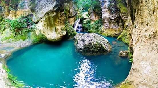 Visite : Bassin Bleu à Jacmel, des bassins alignés et d'une telle beauté