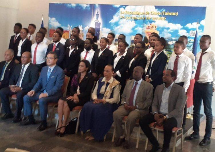 Vingt-quatre boursiers haïtiens en Chine pour des études universitaires